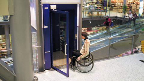 IVA agevolata disabili - Esempio di barriera architettonica superata