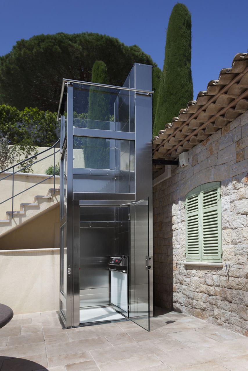Piattaforma elevatrice montacarichi per persone disabili for Montacarichi da balcone per legna