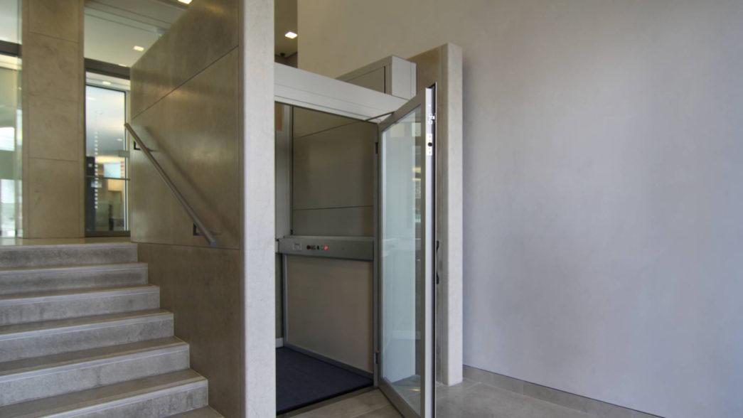Normativa per l'installazione di un miniascensore condominiale