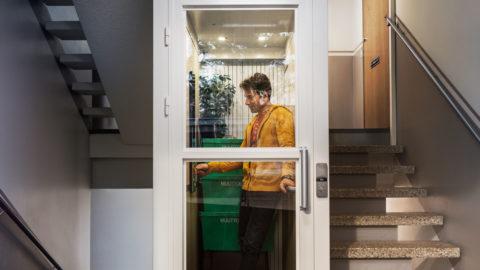 Più comfort grazie alla porta d'accesso in vetro