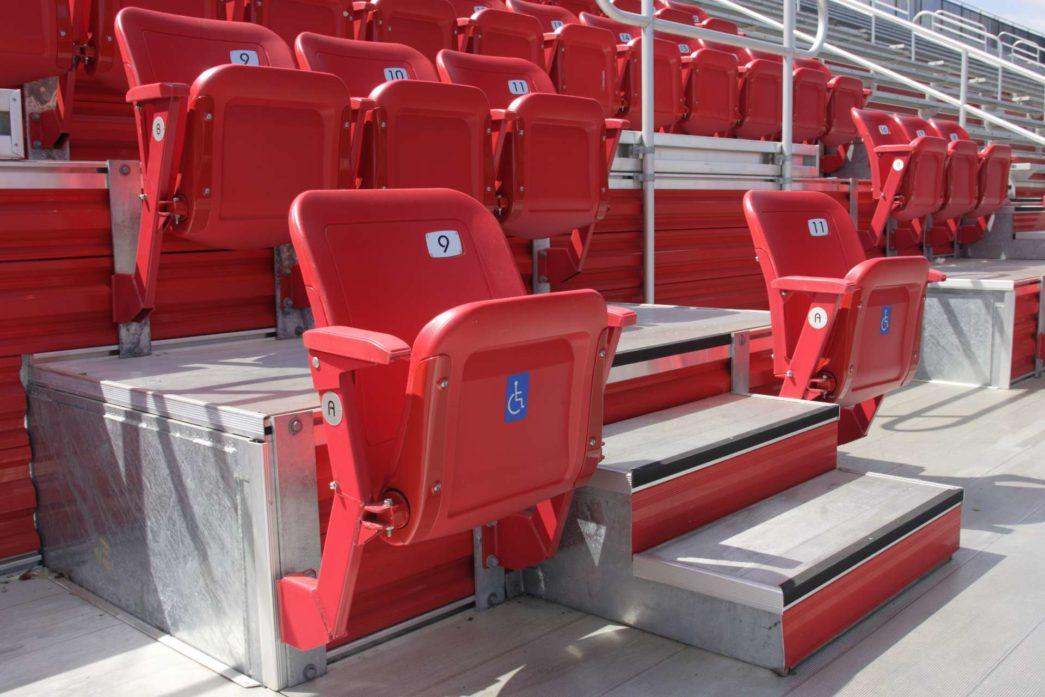 Posti in tribuna per disabili all'interno di un impianto sportivo